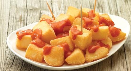 Las patatas bravas que triunfan en Brasil