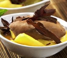 Compota de manzana con mousse de chocolate